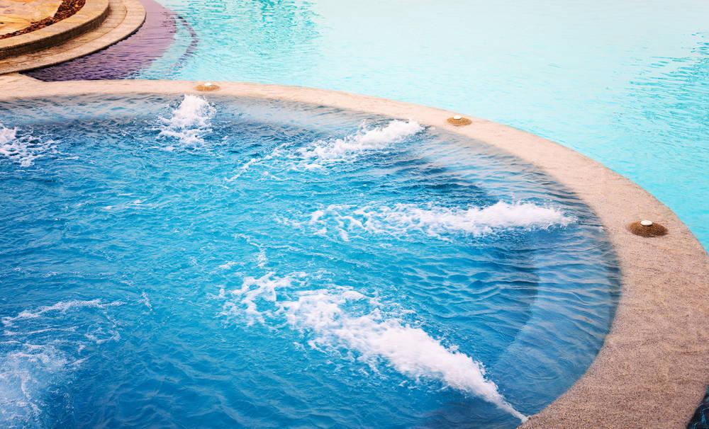 El agua, el elemento de moda: piscinas, spas, jacuzzies…