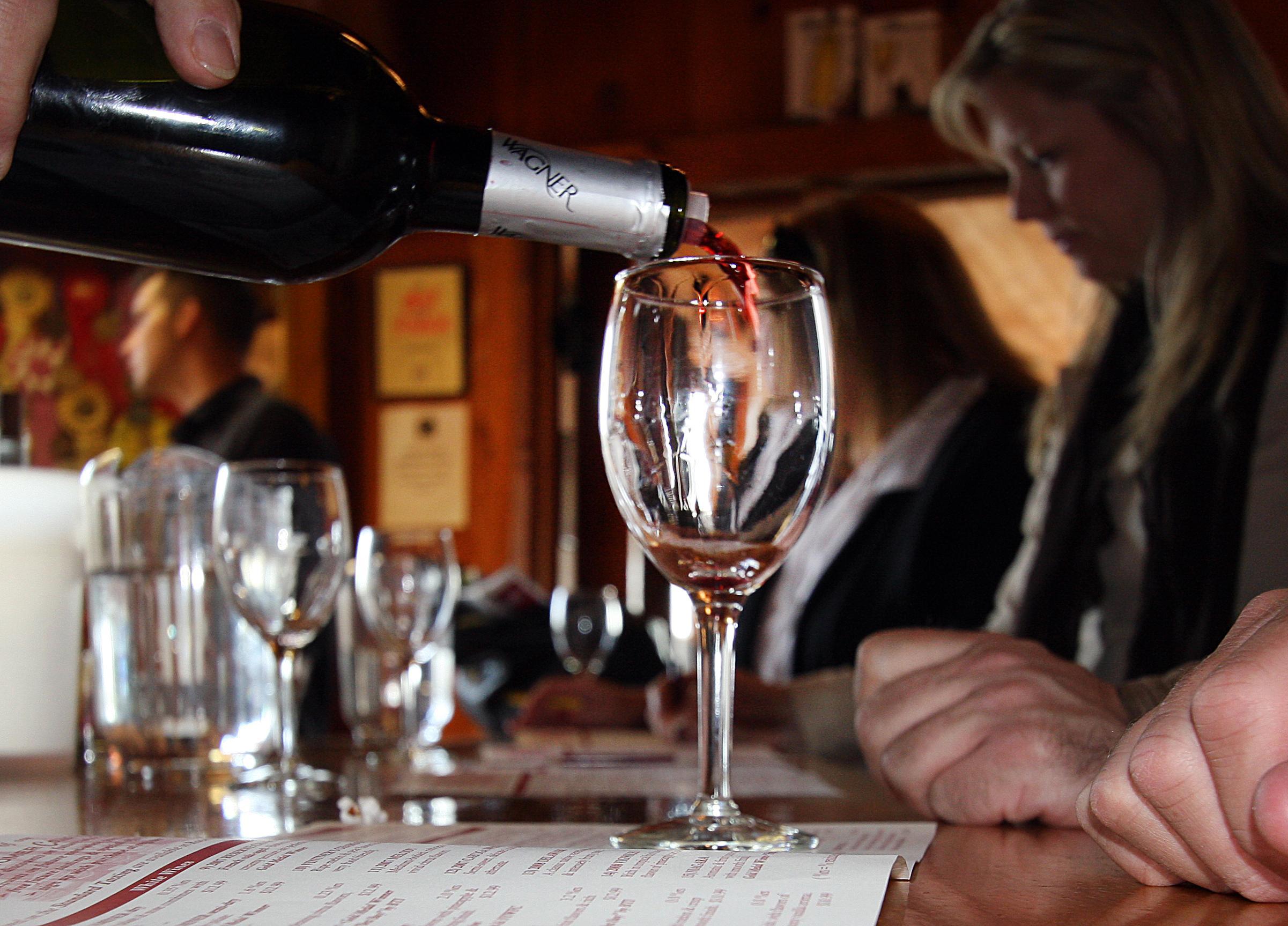 La elegancia del vino y el sabor del aceite de oliva