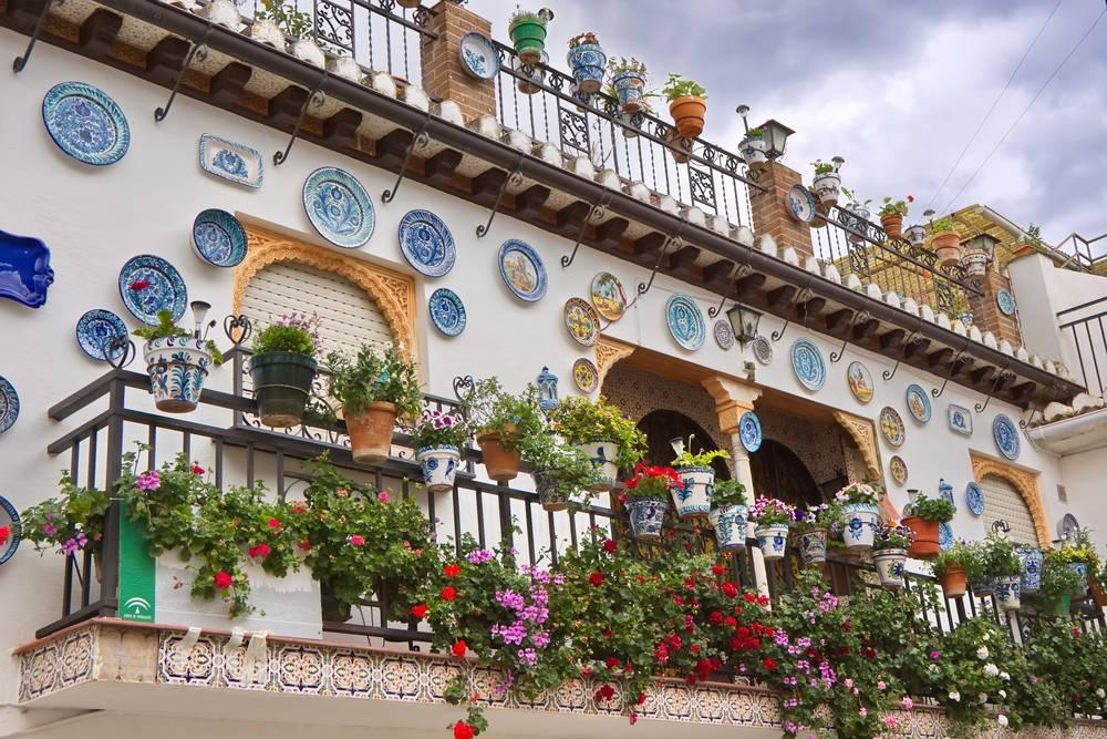 Cómo decorar un espacio al aire libre con estilo andaluz