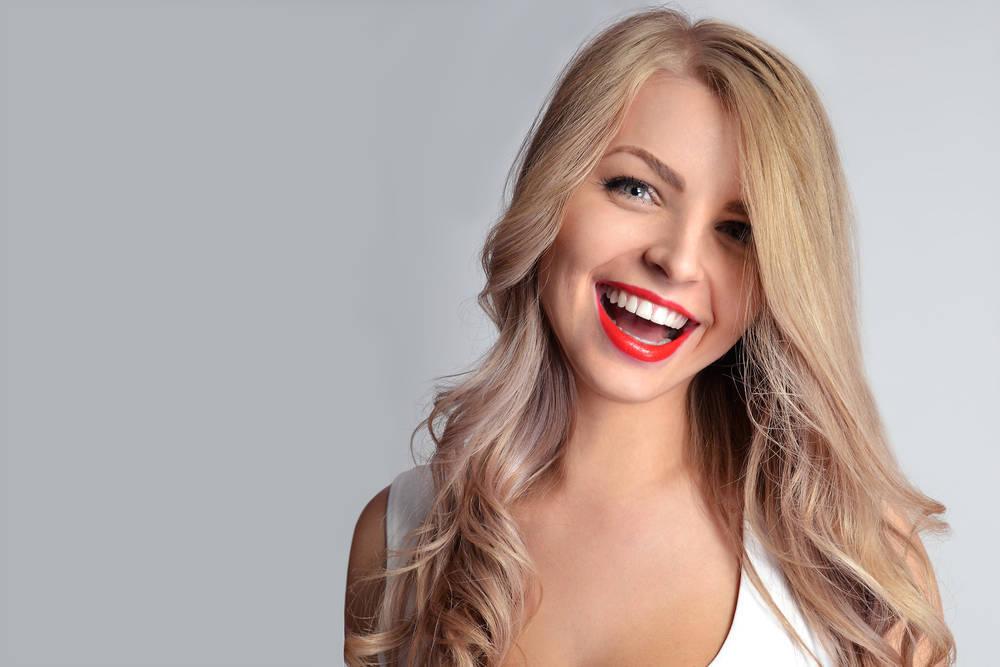La sonrisa es, por el momento, lo más importante para garantizar la belleza de una persona